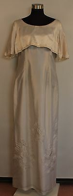 SMALL TO MEDIUM WHITE SATIN 1960's WEDDING DRESS. ORIGINAL VINTAGE.