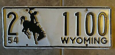 1954 Wyoming license plate