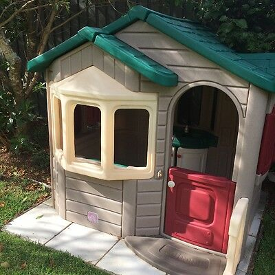 Step 2 Welcome Home Play House Cubby Outdoor PICK UP 2069 near Chatswood