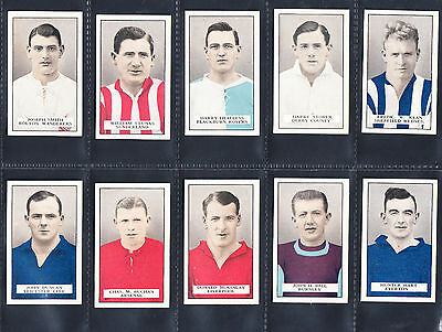 Cigarette cards. Gallaher Famous Footballers  - full set in excellent condition