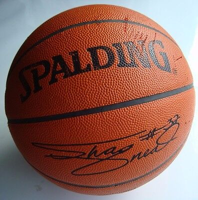 Genuine American Spalding 'Shaquille O'Neal' Basket Ball