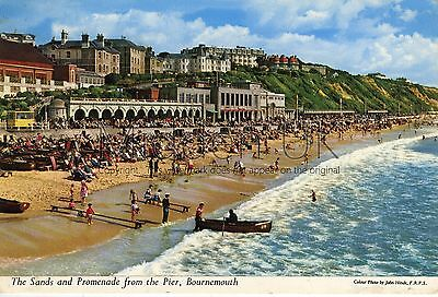 RX023 Old-fashioned-sized 1960s POSTCARD Sands & Prom, Bournemouth - Posted 1967