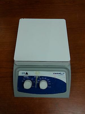 VWR Hot Plate / Stirrer 900W 12365-382 1600rpm 500C | OO2421