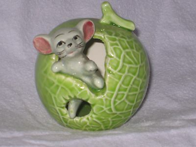 MOUSE in a NICE GREEN SPROUT of FOOT IN FOOT OUT SERIES 3 Ceramic Pottery Figure