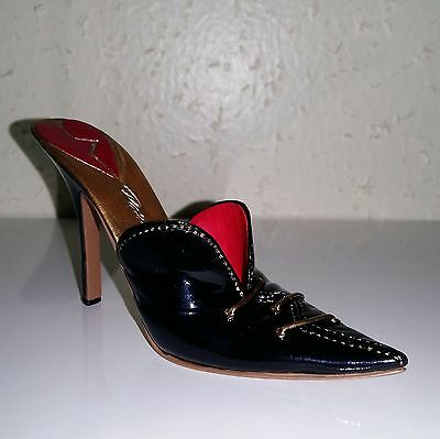 Just The Right Shoe - 2004 - Heart Breaker - 25477 - Stepping Out