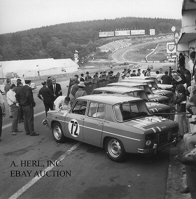Renault R8 Gordini Rear and Side photograph team testing photo racing