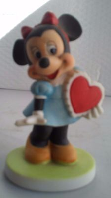 Collectible Minnie Mouse Figurine Valentines Day Holiday Love Heart Home Decor
