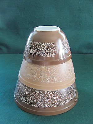 Vtg 3 Pyrex Nested Mixing Bowls W Brown & White Woodland Pattern