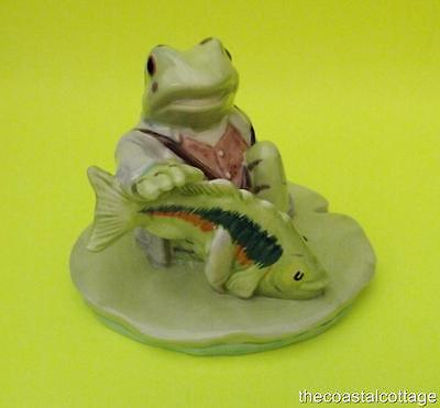 "Beatrix Potter ""Jeremy Fisher Catches A Fish"" Figurine 1999 BP10A Beswick ENG"