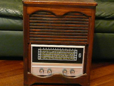 Astor valve radio (for part or repair ) Pickup only