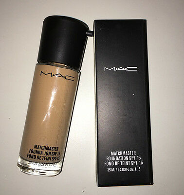MAC Matchmaster SPF 15 Foundation 35 ml full size NC30.