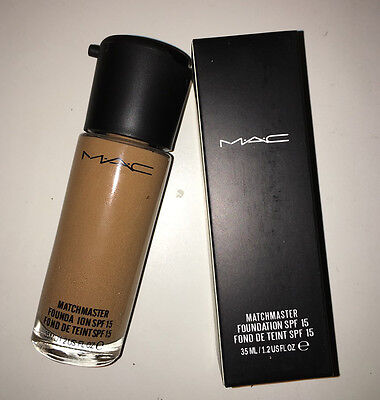 MAC Matchmaster SPF 15 Foundation 35 ml full size NC40..