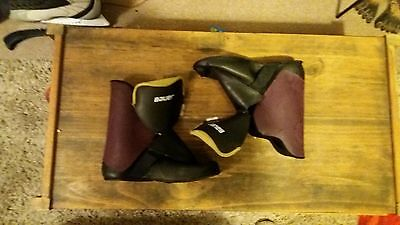 """Bauer """"Fx3"""" genuine skate liners in a uk size 6."""