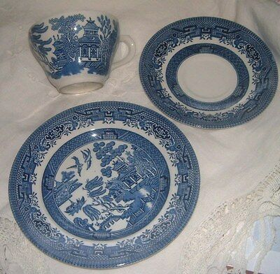 Job Lot Of Willow Pattern  Blue And White Churchill Tableware Pottery China
