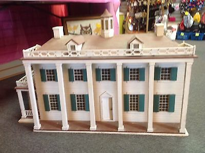 Vintage Mt.Vernon look alike Dollhouse Doll House
