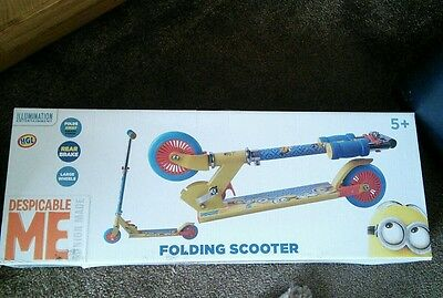 Minions Despicable Me Fold Up Scooter Bnib