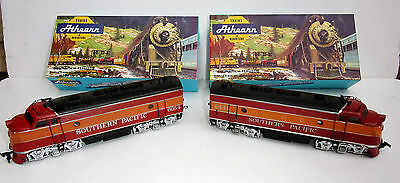 Athearn HO OO Diesel Loco, Dummy & coaches diner etc Southern Pacific boxed mint