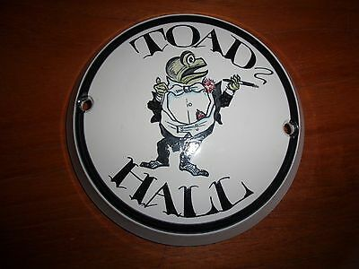Iden Pottery, Rye, Toad Hall wall plaque, house name
