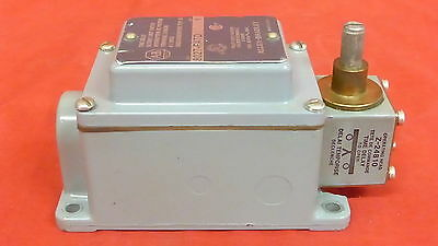Allen-Bradley 802T-R4Td  Time Delay Oiltight Limit Switch 3A (3B2)