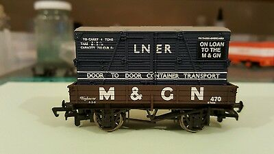 Bachmann 00 gauge limited edition 3 plank wagon with container 33-450Z