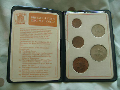 Great Britain , First Decimal Coin Set Of Uncirculated Coins In Wallet