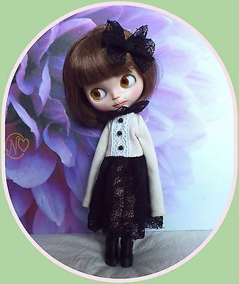 Lovely outfit for Blythe doll* dress* boots* hairclip* dress hanger* 4 pieces*
