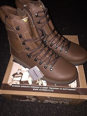Brand New Military Issued Alt Berg Size 10W