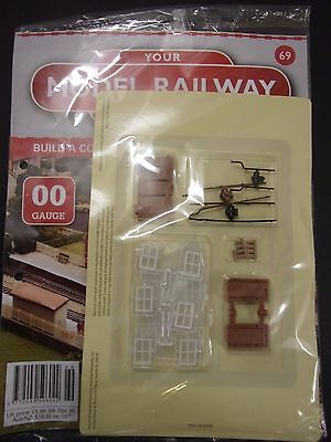 Your Model Railway Village Magazine No 69 workers cottage parts