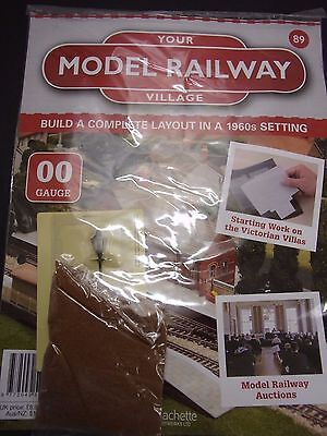 Your Model Railway Village Magazine No 89 soil scatter and streetlight