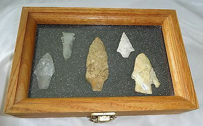 5x Native American Arrowheads in Steel's Display Case (Ver) Case #42