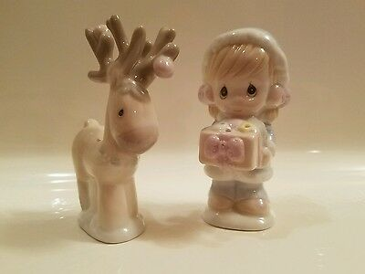 PRECIOUS MOMENTS CHRISTMAS SALT AND PEPPER SHAKERS Vintage 1994 Reindeer