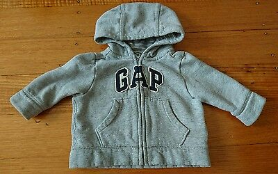 Baby Gap sweater unisex size 3 to 6 months