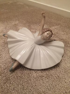 NAO By Lladro #1423 Ballerina - Excellent Condition