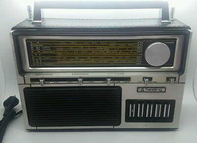 Healing Vintage transistor Radio AM FM SW MB VHF in great working order