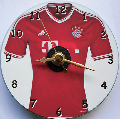 Football cd clock with Bayen Munich shirt on clock facer