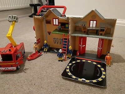 Fireman Sam Fire Station Plus Full Size Fire Engine + Loads More Parts!!!