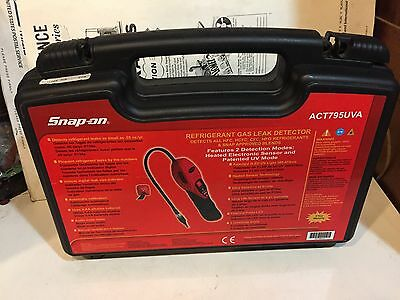 SNAP ON ACT795UVA Refrigerant Gas Leak Detector - Complete Brand New A/C Kit