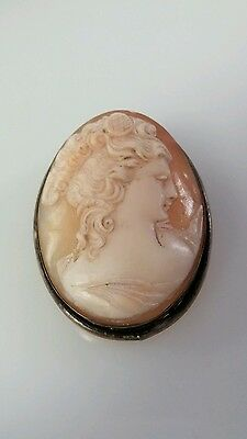 Vintage/antique Cameo Shell Brooch Pendant silver tone