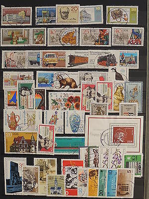 YS-J124 GERMANY/DDR - Costumes, Lot Of Old Stamps USED