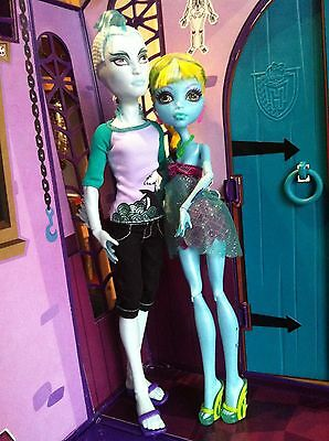MONSTER HIGH. Lote LAGOONA BLUE 13 DESEOS (wishes) y GIL WEBBER 1 wave
