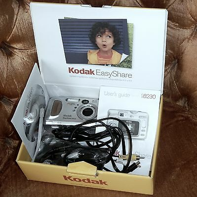 Kodak EasyShare CX6230 Zoom Digital Camera With CD, CABLES AND MANUALS & BOX