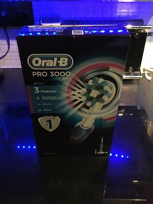 Oral-B Pro 3000 CrossAction Electric Rechargeable Toothbrush Brand New Unopened