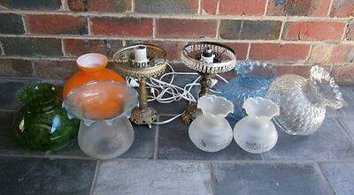VINTAGE GLASS LIGHT/LAMP SHADES x7 AND BRASS LAMP STANDS x2 (9 ITEM IN TOTAL)