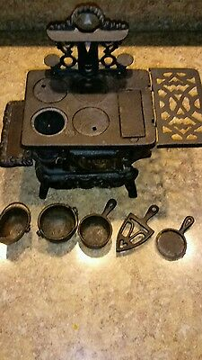 "Miniature Cast Iron Stove 5"" x 6"" x 4 1/2"""