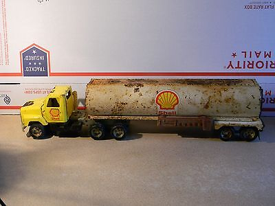Shell Gas Station Semi Tanker vintage toy Ertl original 16 inches