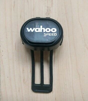 Wahoo Speed Sensor (Bluetooth and ANT+ perfect for Zwift and IOS compatible)