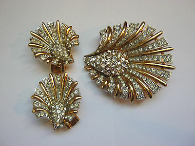 Vintage Boucher signed & numbered rhinestone brooch & clip on earrings set