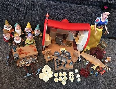 Snow White & The Seven Dwarfs Set Includes Dolls, House & Over 100 Accessories