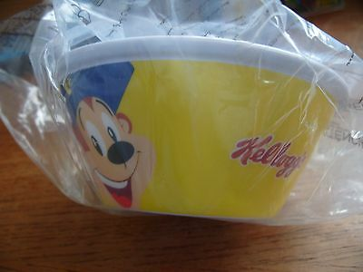 "KELLOGS ""Sip up"" Kids Plastic Cereal Bowl With Straw, Collectors Item."