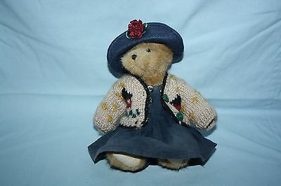 Boyds Bear: Jointed with hat, cardigan, dress and bloomers